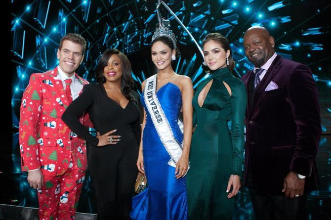 miss-universe-2015-with-the-judges2